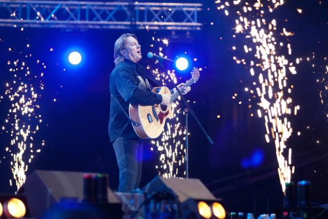 Российский музыкант Юрий Лоза назвал группы Led Zeppelin и Rolling Stones «слабыми» и непрофессиональными