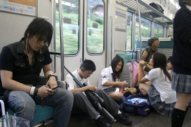 Японки в транспорте фото