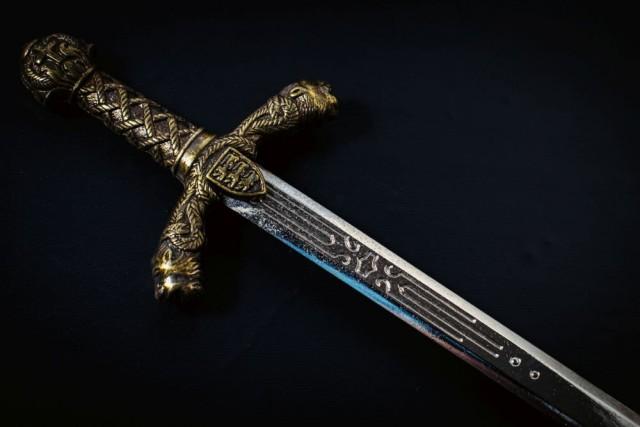 В Норвегии найдена могила викинга с полным комплектом оружия