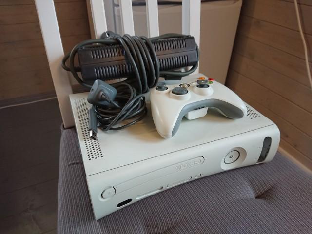 XBOX 360. Цена 2000 р. Москва.