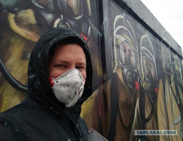 В Нижнем Новгороде художник нарисовал граффити, посвященное настоящим супергероям