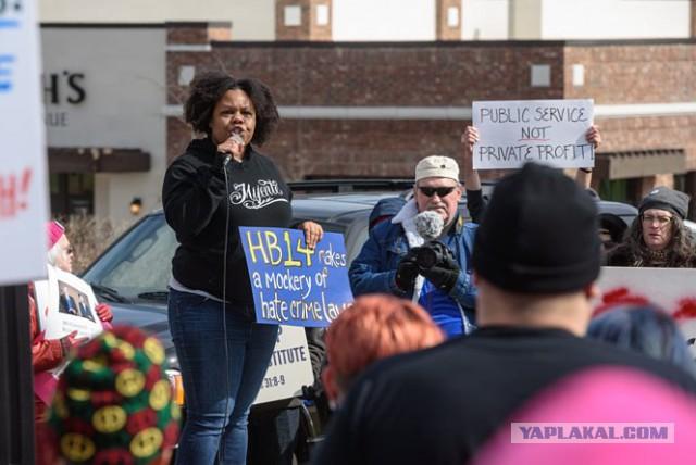 Афроамериканская активистка опубликовала манифест-обращение к белым
