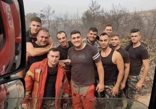 Бригада пожарных, погибших при тушении пожара на месте взрыва в Бейруте