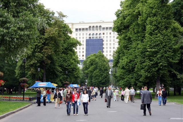 Московский Кремль: уничтожить историю и память