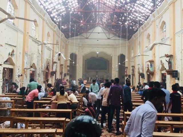 Шесть взрывов на Шри-Ланке: более 40 человек погибли, около 300 пострадали