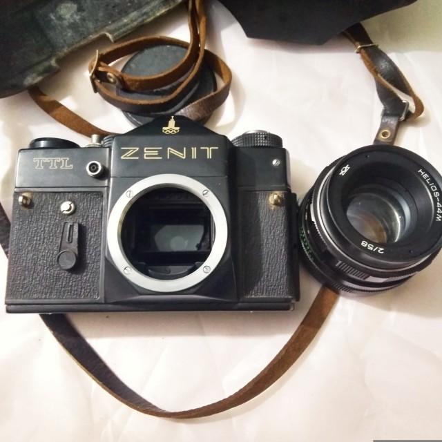 Zenit TTL. Фотоаппарат времен СССР с символикой Олимпиады 80