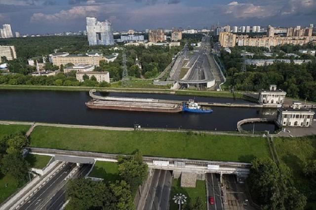Проплывая по мосту: удивительный акведук канала им. Москвы
