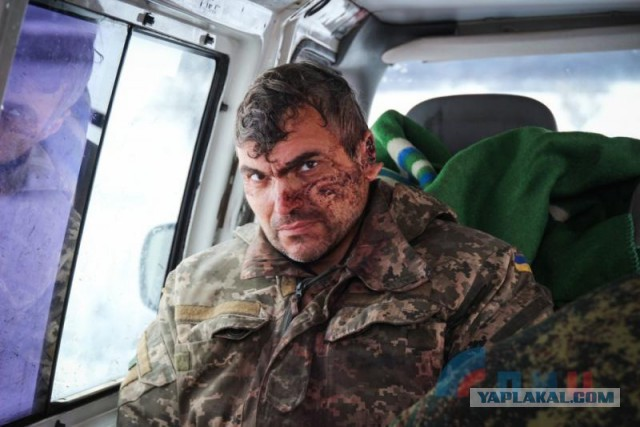 Солдаты ВСУ при отступлении бросили своего раненого товарища. ФОТО