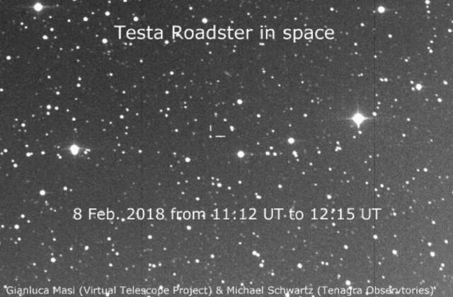 Астрономы сфотографировали Tesla Roadster Илона Маска