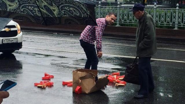 Водитель, потерявший фаллоимитаторы, спровоцировал пробку в центре Москвы