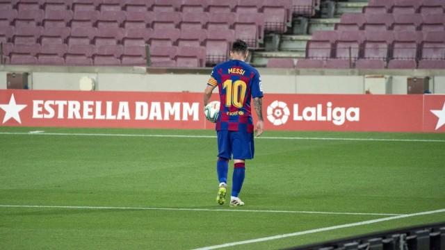 Месси покидает Барселону и переходит...