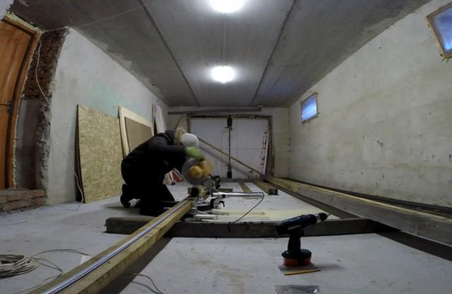 Обустройство мастерской в подвальном гараже