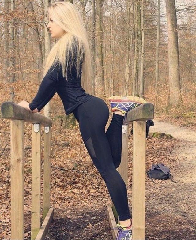 seks-goroskop-devushka-strelets