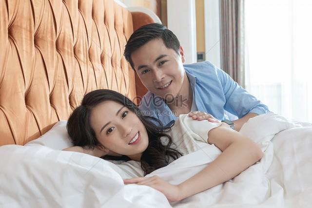 Гостиницы в РФ обязали отчитываться о заселении неженатых пар в один номер