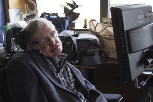 Стивен Хокинг призвал человечество бежать с Земли