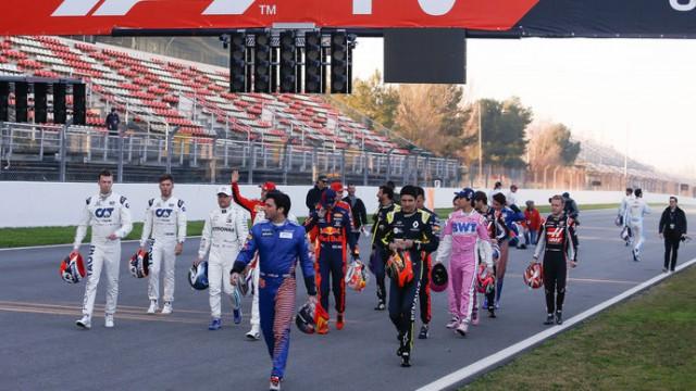 Квят и еще пять гонщиков «Формулы-1» не стали преклонять колено в знак солидарности с борьбой против расизма