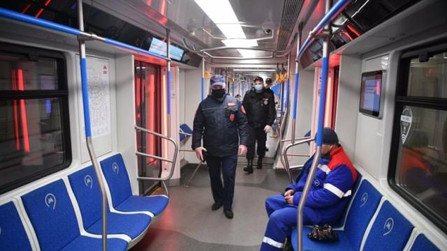 В Москве за отсутствие масок и перчаток оштрафованы более 42 тысяч пассажиров