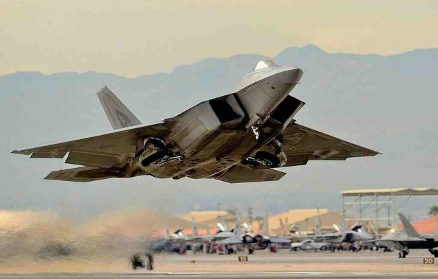 США заявили о нападениях России на ВВС США в Сирии