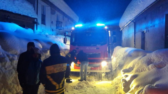 В Италии отель накрыло лавиной