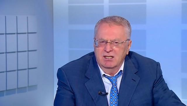 """Жириновский предлагает """"выселить"""" президента из Кремля"""