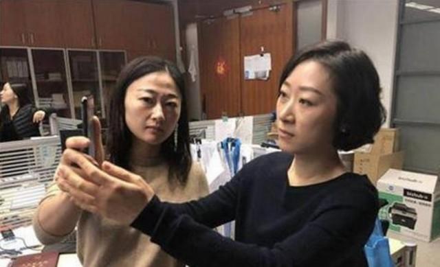 Подтверждение, что китайцы одинаковые: Китаянка дважды возвращала iPhone X в магазин потому что он реагировал на лицо её коллеги