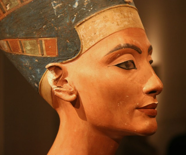 Новое лицо Нефертити. Мумии и скелеты. 23
