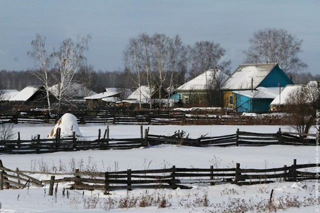 Целую омскую деревню обвинили в экстремизме за то, что жители отказались от кладбища