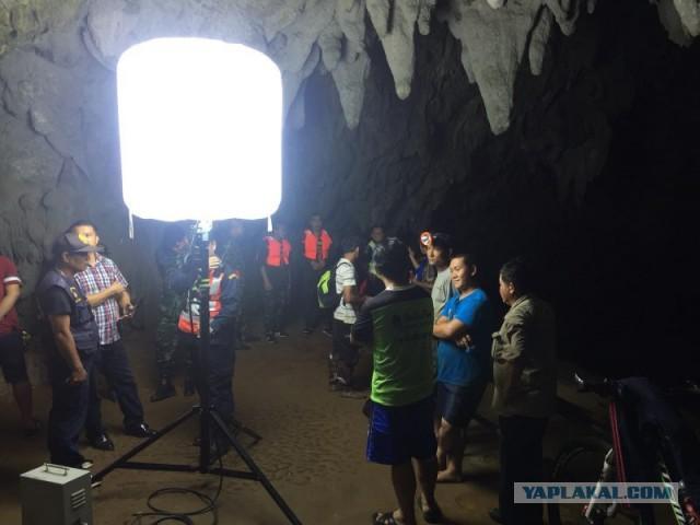 12 детей пропали в пещере Таиланда