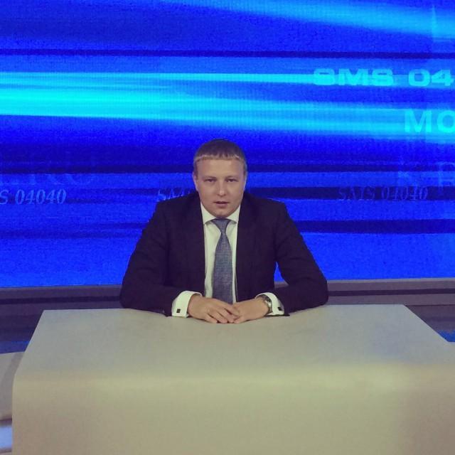 «Да кто он вообще такой»: В Самаре полицейский жестоко избил депутата