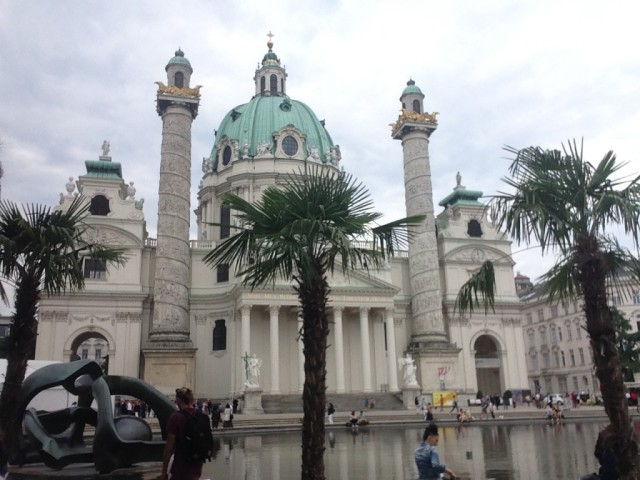 Как я в Европу бомжевать ездил или бюджетное просвещение