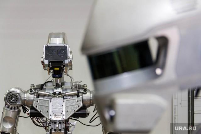 Космонавты долго не могли включить робота «Федора». Он заработал, когда его собирались ударить молотком
