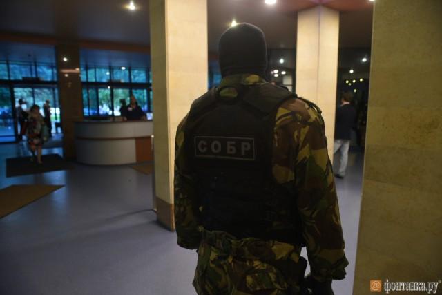 В петербургскую церковь саентологов заглянула ФСБ со спецназом