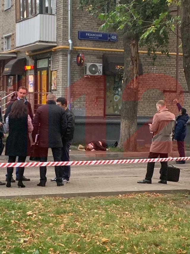 Один человек пострадал, ещё один убит в ходе перестрелки возле станции метро Рязанский проспект в Москве
