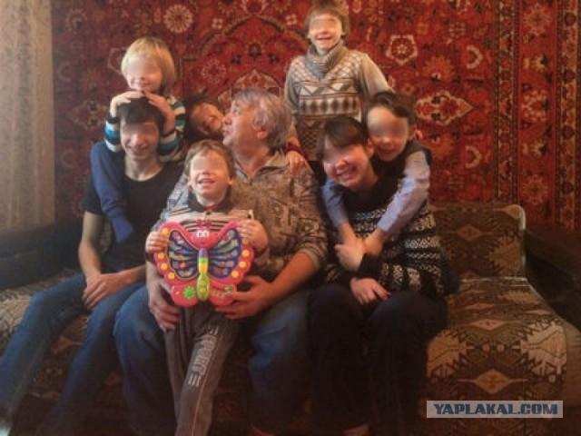 Россиянка лишилась семерых детей из-за слишком длинных волос сына