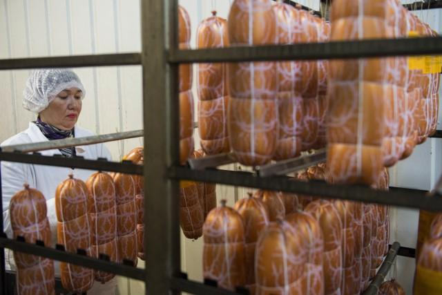 Роскачество обнаружило антибиотики в каждом втором батоне докторской колбасы
