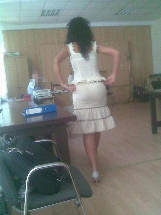 подглядование за учителями под юбками