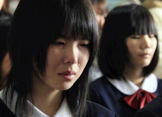 Школьники Японии получили аттестаты