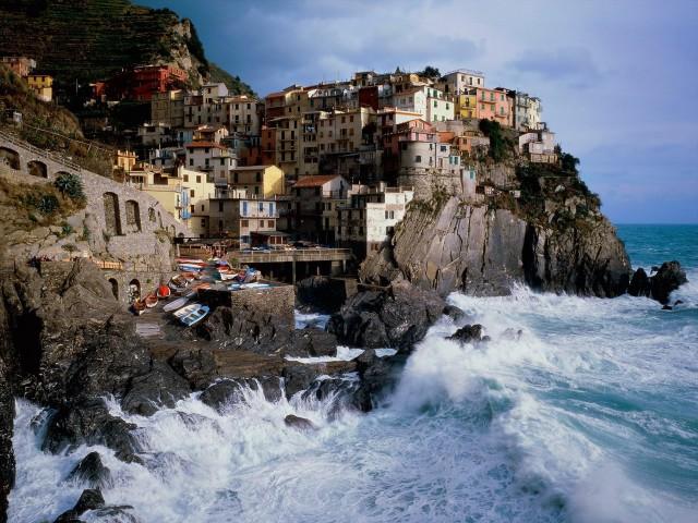 7 красивейших городов, расположенных на скалах