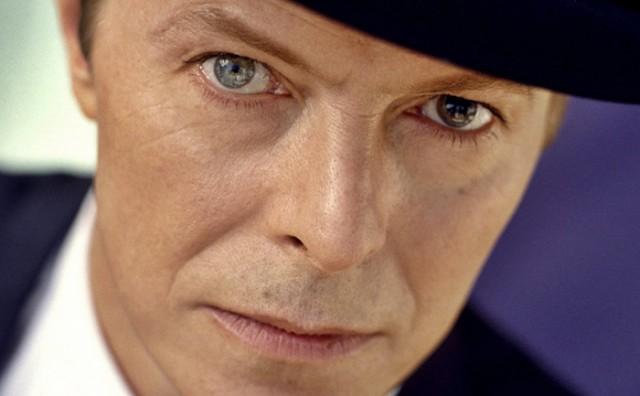 Как Дэвид Боуи получил разноцветные глаза и из-за чего это случилось