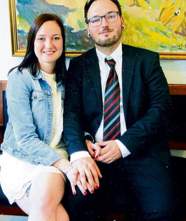 Москвичке отказали в оформлении брачной визы в Германию, так как «жена выглядит несчастной на фото»