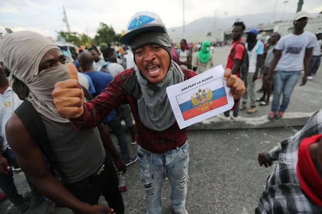 Жители Гаити взбунтовались против США и призвали на помощь Россию