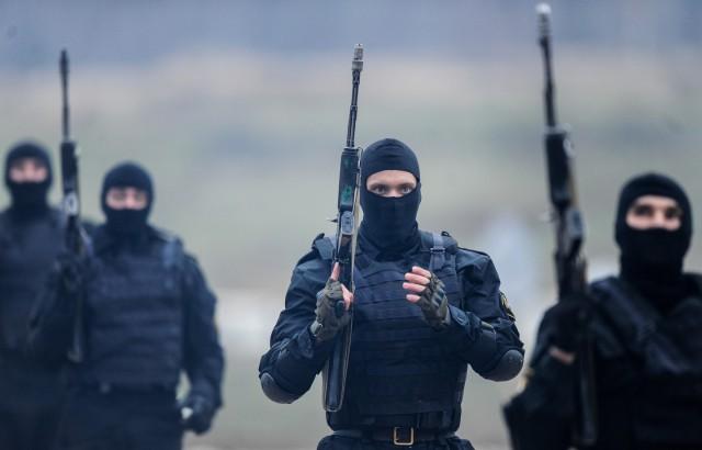 ФСБ задержала 10 боевиков, готовивших теракты в Москве и Петербурге