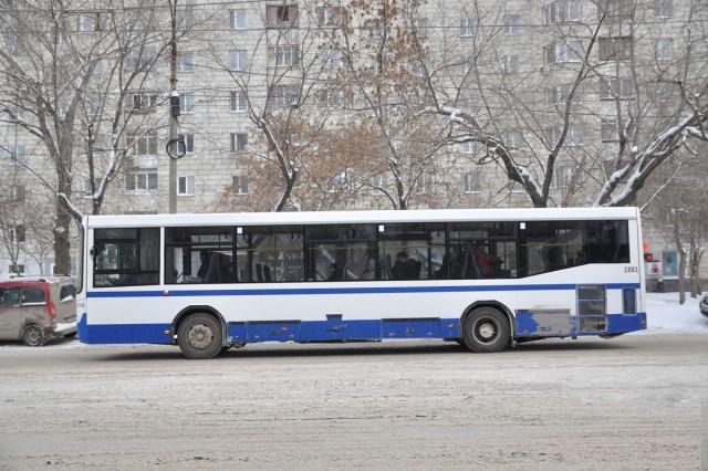 В  30-градусный мороз кондуктор выгнала из автобуса 9-летнюю девочку