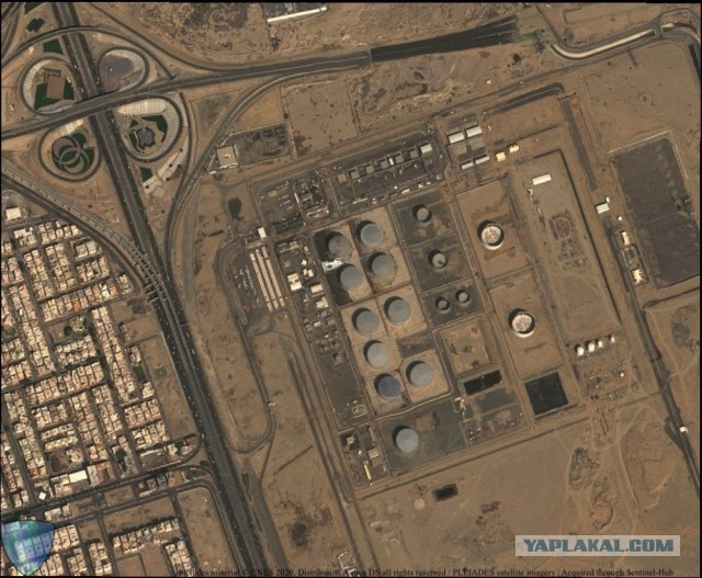 Ракетный удар хуситов по объекту Saudi Aramco в саудовской Джидде