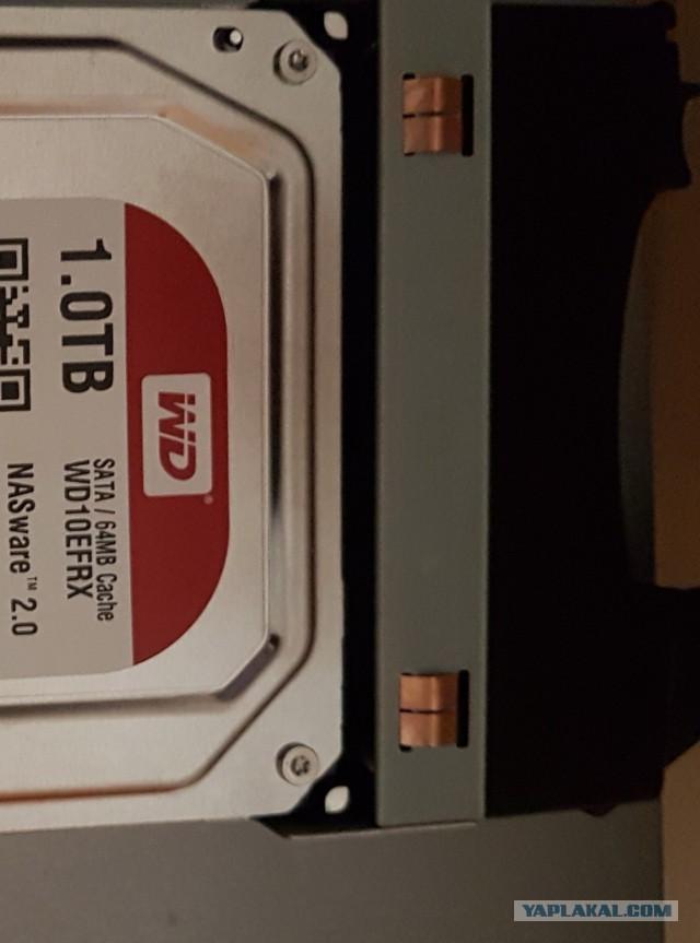 NAS сервер Lenovo EMC PX4-300D (домашняя сетевая хранилка)