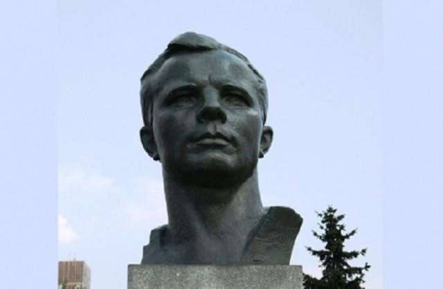 В США открыли памятник первому космонавту Юрию Гагарину.