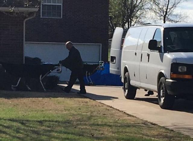 В США сын хозяина дома расстрелял из винтовки троих грабителей