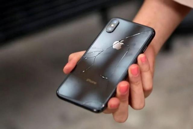 599$. Столько стоит замена заднего стекла для iPhone Xs Max