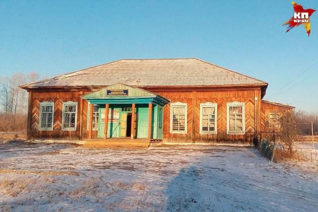 «За 20 лет власти один раз дали 10 тысяч на ремонт». Директор Дома культуры распродает свое имущество, чтобы спасти учреждение
