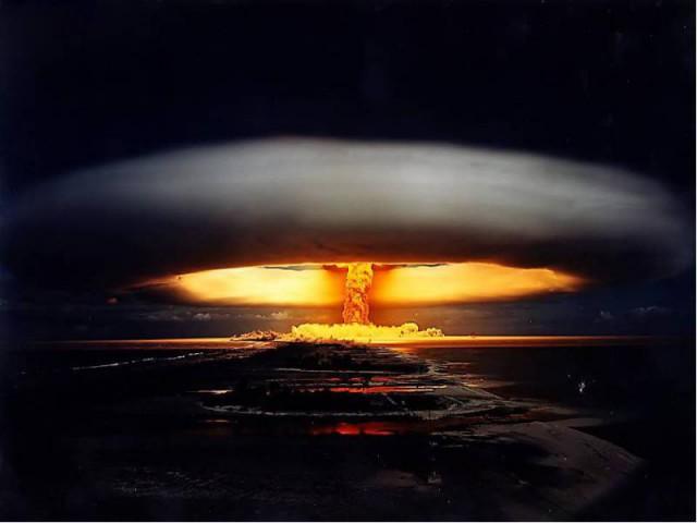 """""""Россияне"""" используют на Донбассе ядерные снаряды"""